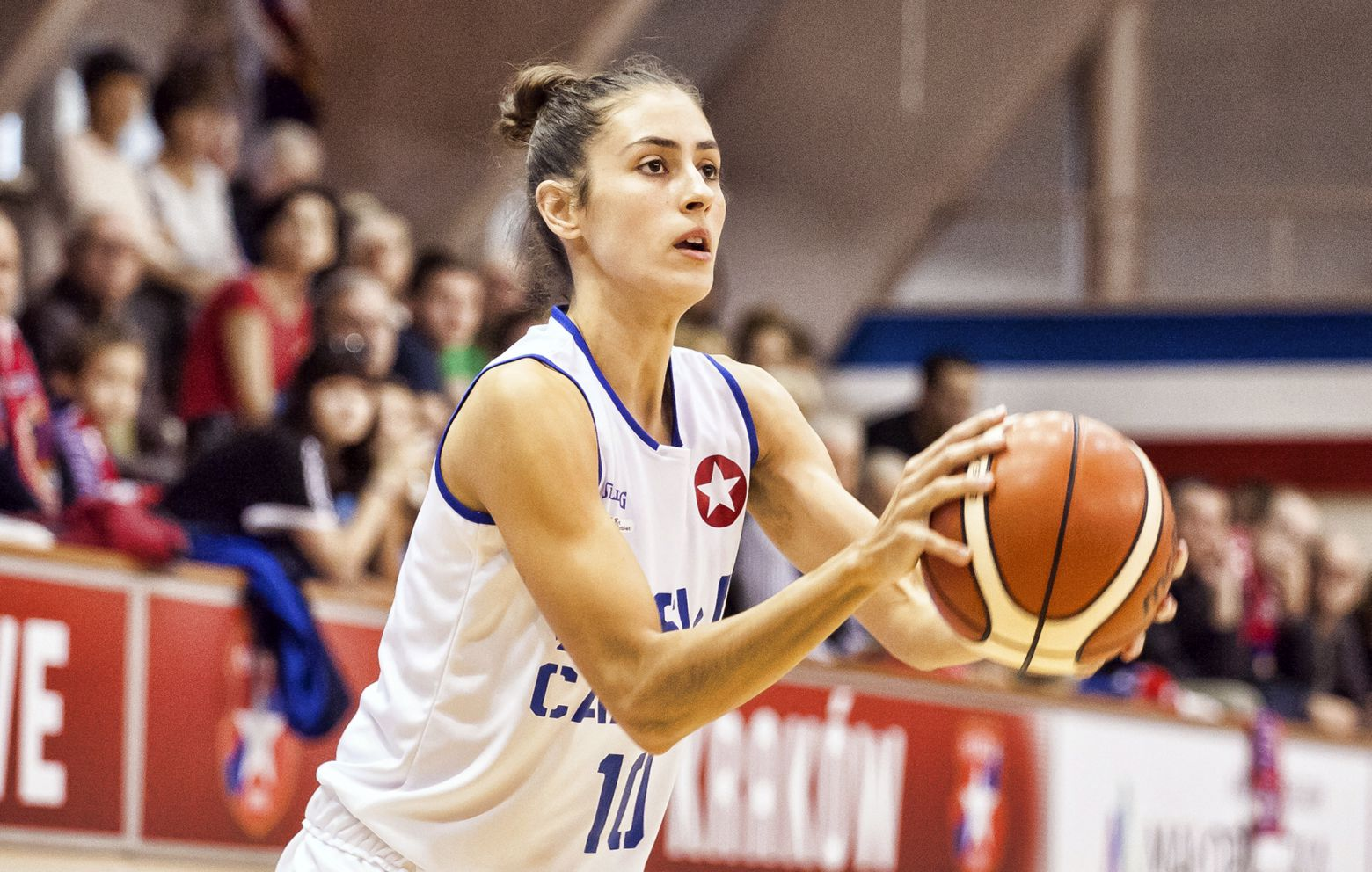 MARÍA CONDE has signed with CCC Polkowice
