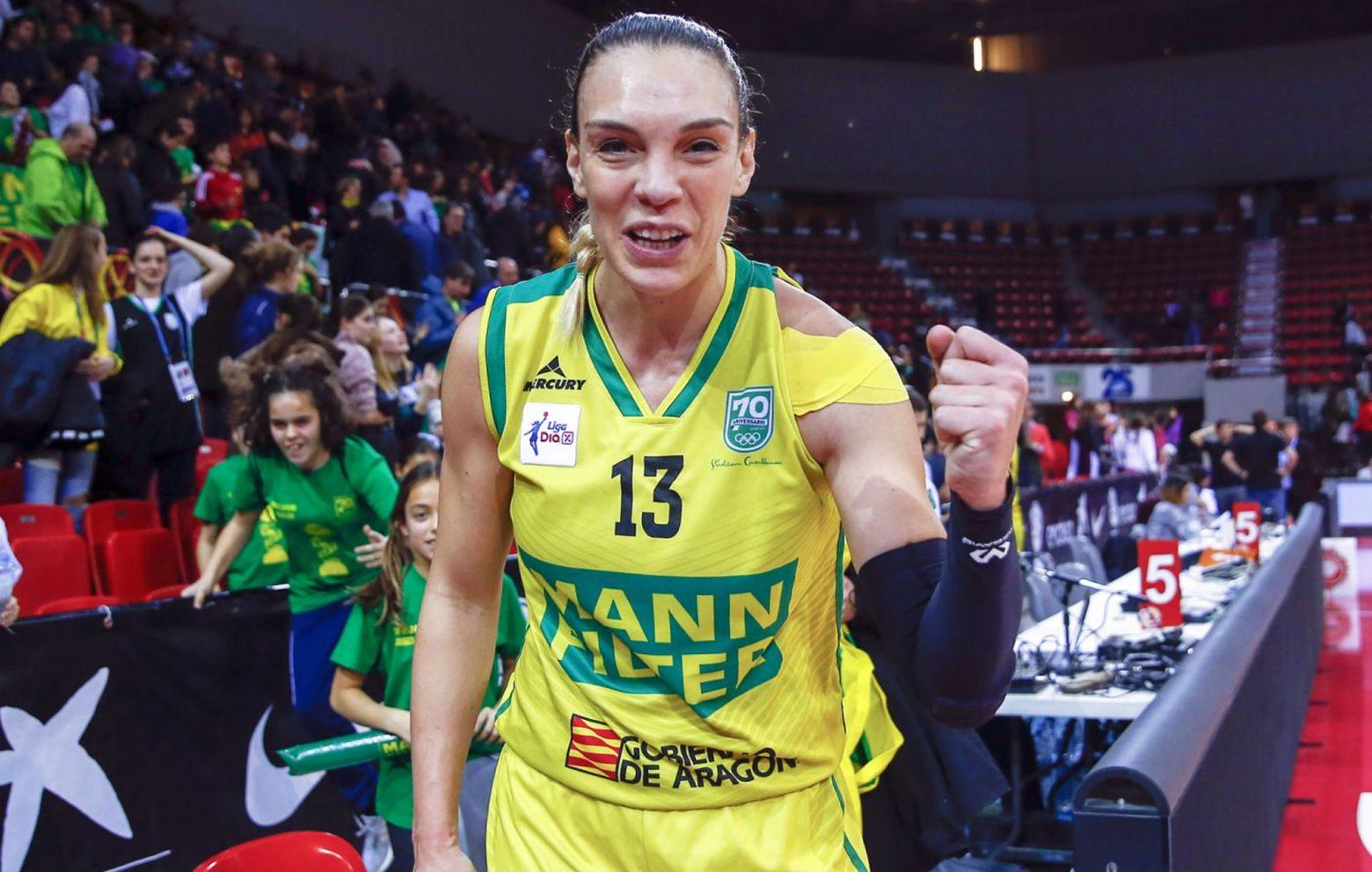 LUCIA PASCUA has signed with Cadí La Seu