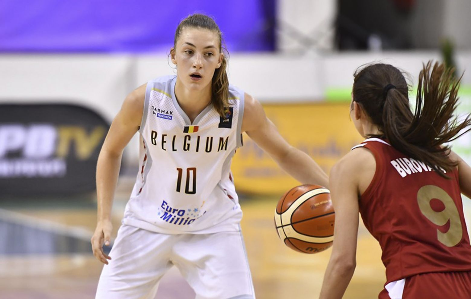 LAURE RESIMONT (1998) has signed with Regeneracom Sports