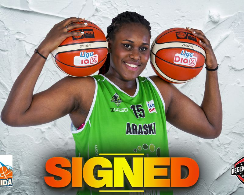 UMI DIALLO has signed in Spain with Perfumerías Avenida