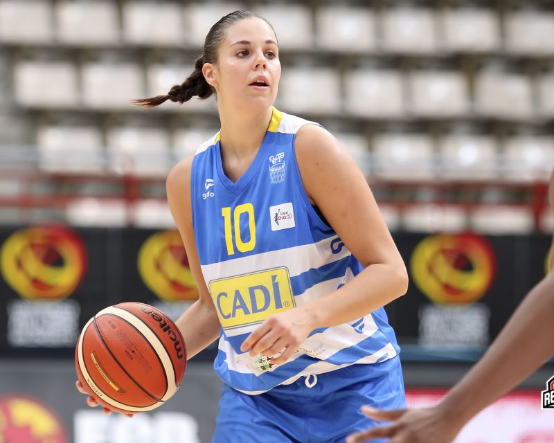 YURENA DÍAZ has re-signed with Sedis Cadí