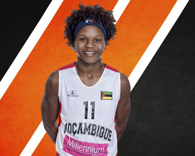 LEIA DONGUE has signed with Uni Girona