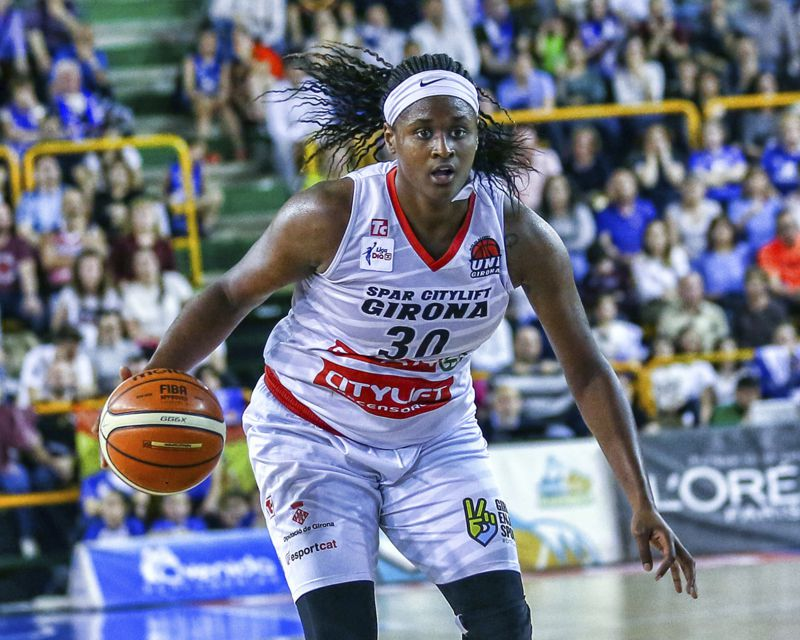 SHANTE EVANS has signed with Villeneuve d´Ascq