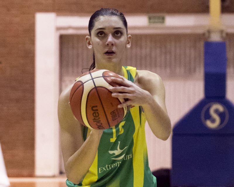 MÍRIAM FORASTÉ has re-signed with Al-Qázeres