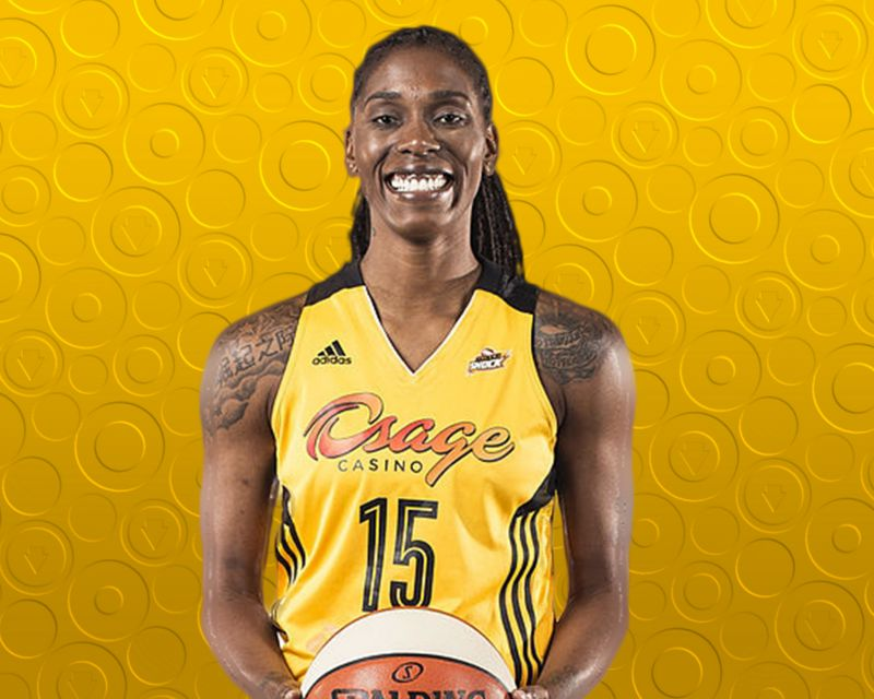 RONEEKA HODGES has signed with Al-Qázeres