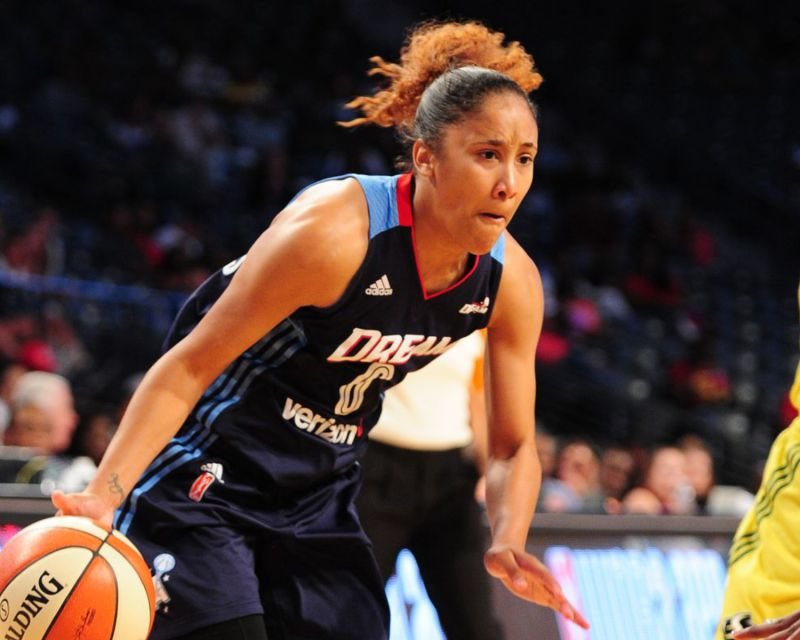 MEIGHAN SIMMONS has signed with Regeneracom Sports