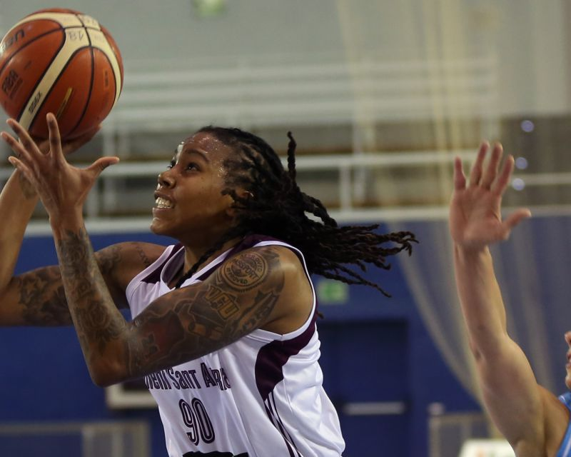 ROBYN PARKS has signed with Valencia Basket