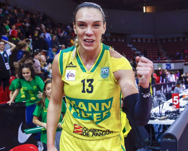 LUCIA PASCUA has signed with Cadí La Seu