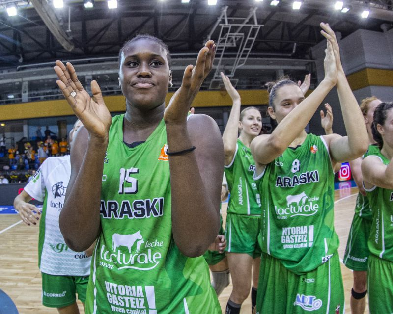 UMI DIALLO has re-signed with Araski